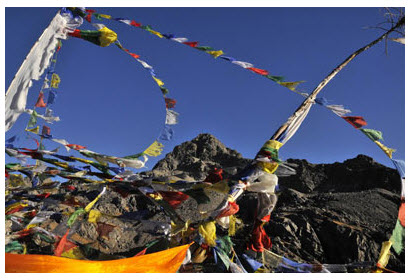 Prayer-flags-Gosaikunda